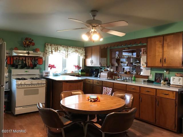 Farm House, Single Family Residence - Hart, MI (photo 4)