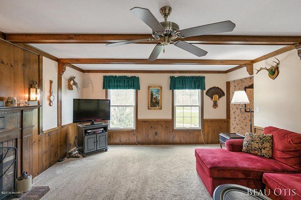 Single Family Residence, Traditional - Ada, MI (photo 4)