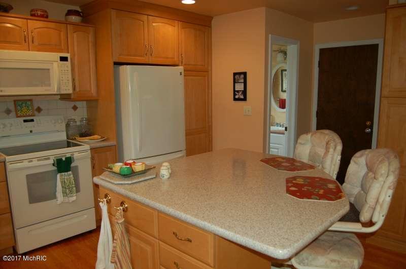 Single Family Residence, Ranch - Kentwood, MI (photo 4)