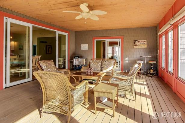 Single Family Residence, Contemporary - South Haven, MI (photo 4)
