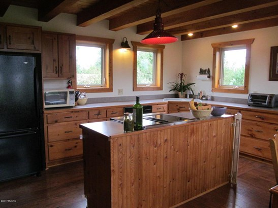Single Family Residence, Log Home - Fennville, MI (photo 3)