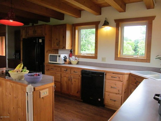 Single Family Residence, Log Home - Fennville, MI (photo 5)