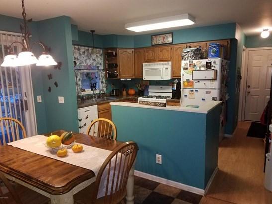 Cape Cod, Single Family Residence - Fennville, MI (photo 5)