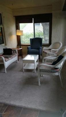 Single Family Residence, Traditional - Holland, MI (photo 3)