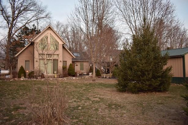Chalet, Single Family Residence - Baldwin, MI (photo 1)