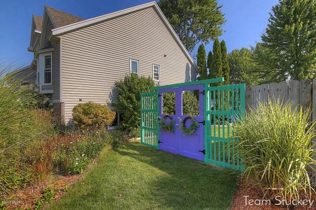 Single Family Residence, Traditional - Hudsonville, MI (photo 3)