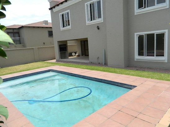 Willow Acres Estate, Pretoria - ZAF (photo 1)