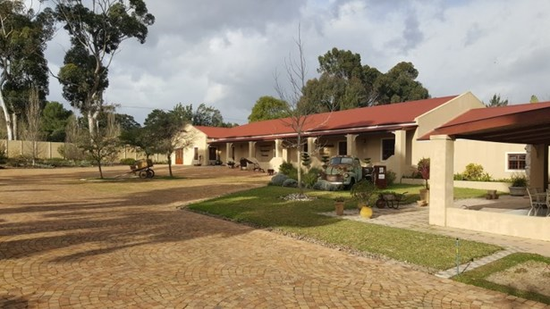 Penhill Estate, Kuils River - ZAF (photo 1)