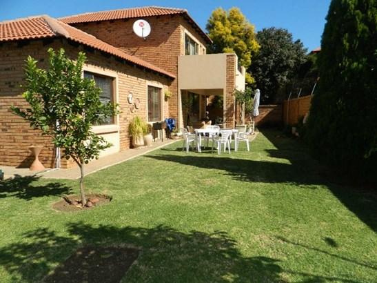 Willow Acres, Pretoria - ZAF (photo 1)