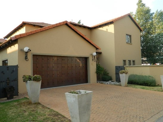 Silver Lakes Golf Estate, Pretoria - ZAF (photo 1)