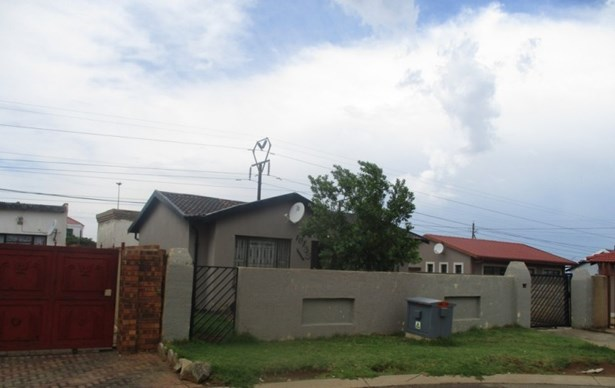 Dobsonville, Soweto - ZAF (photo 1)