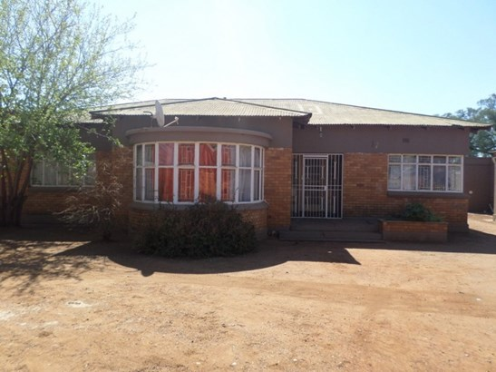 Potchefstroom - ZAF (photo 1)