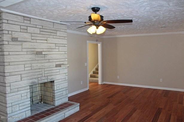 Split Level, Single Family Residence - Radcliff, KY (photo 2)