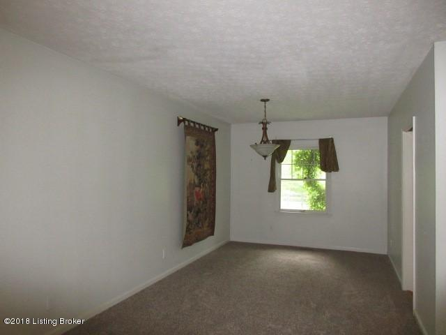 Single Family Residence, 1.5 Stories - Crestwood, KY (photo 4)