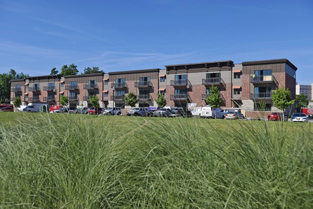 Condominium, Open Plan - Jeffersonville, IN