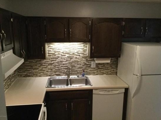 Condominium, Traditional - Louisville, KY (photo 5)
