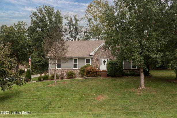 Single Family Residence, 1.5 Stories - Goshen, KY