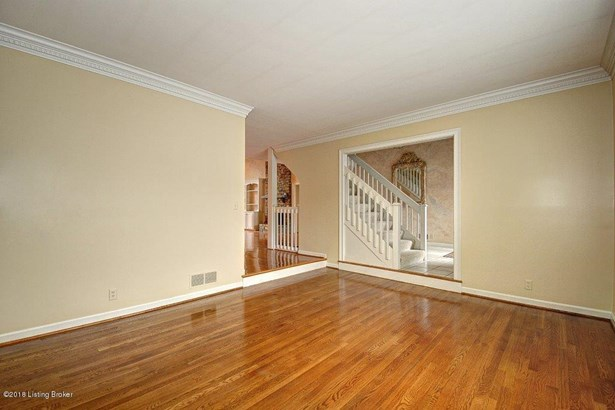 Single Family Residence, 3 Story - Louisville, KY (photo 4)