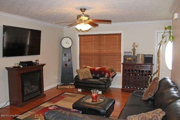 Cape Cod, Single Family Residence - Vine Grove, KY (photo 3)