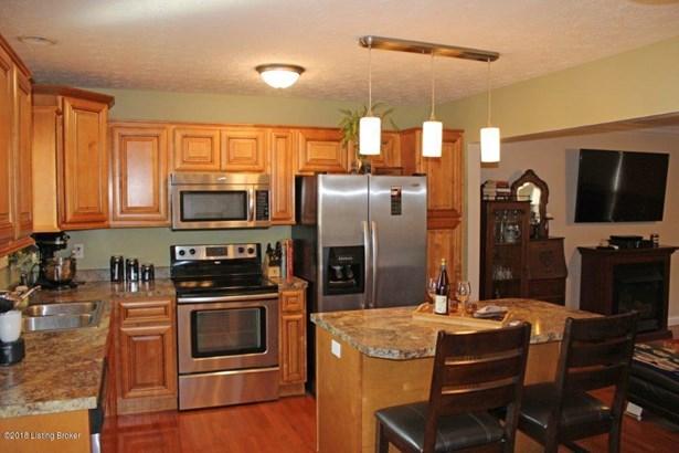 Cape Cod, Single Family Residence - Vine Grove, KY (photo 5)