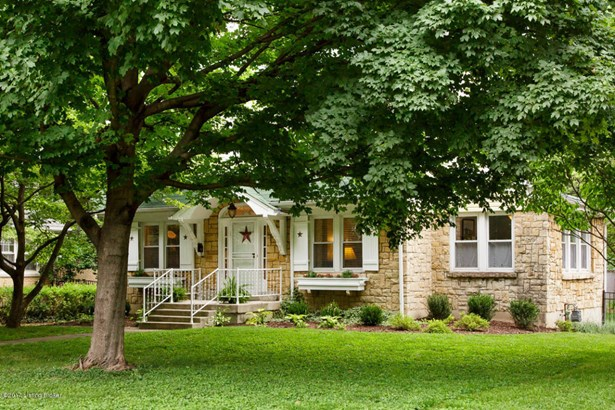 Single Family Residence, Colonial - Louisville, KY (photo 3)