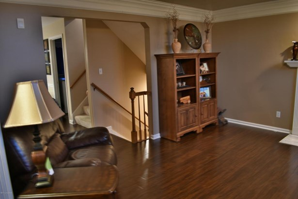 Single Family Residence, Traditional - Crestwood, KY (photo 4)