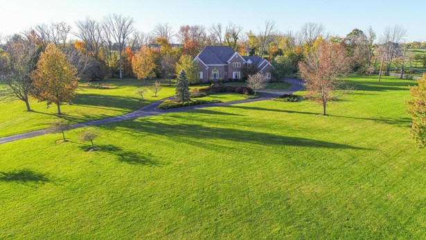 Single Family Residence, Traditional - Simpsonville, KY (photo 1)