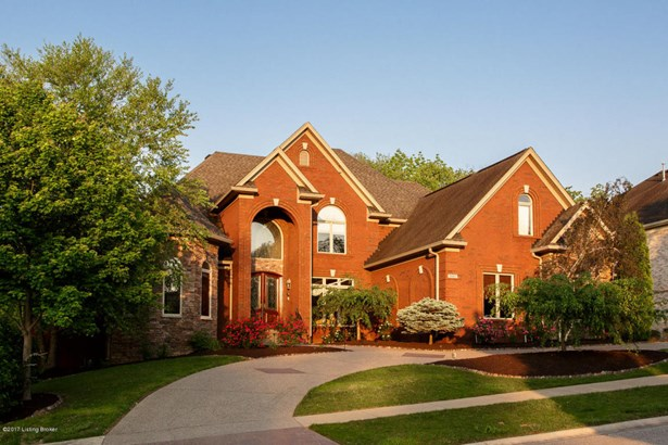 Single Family Residence, 1.5 Stories - Louisville, KY (photo 2)