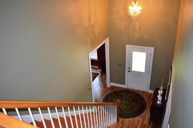 Townhouse, Single Family Residence - Louisville, KY (photo 5)