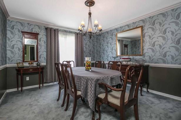Single Family Residence, Quad Level - Shelbyville, KY (photo 3)