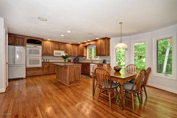 Single Family Residence, Ranch - Crestwood, KY (photo 4)