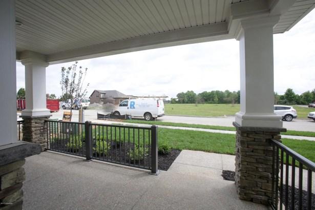 Single Family Residence, Garden Home - Louisville, KY (photo 4)