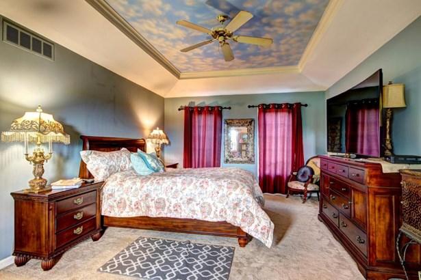Single Family Residence, 2 Story - Crestwood, KY (photo 5)