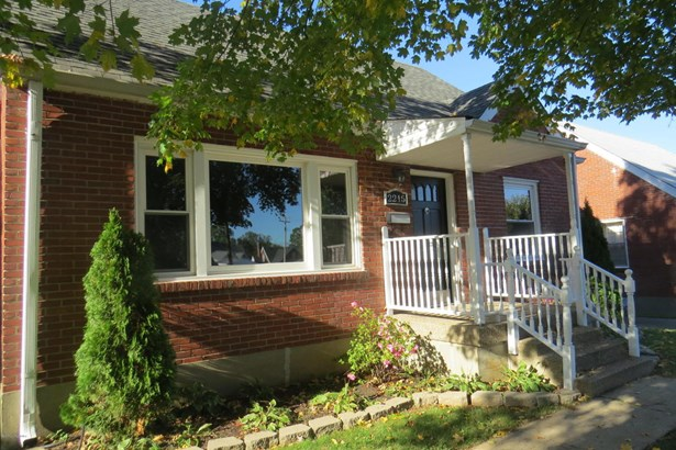 Cape Cod, Single Family Residential - Louisville, KY (photo 2)