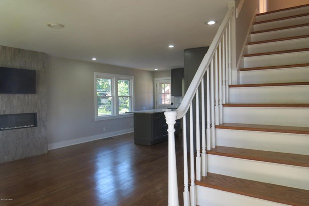 Cape Cod, Single Family Residential - Louisville, KY (photo 3)