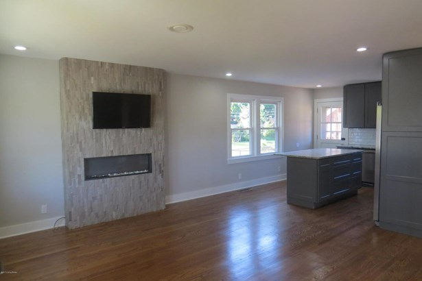 Cape Cod, Single Family Residential - Louisville, KY (photo 4)