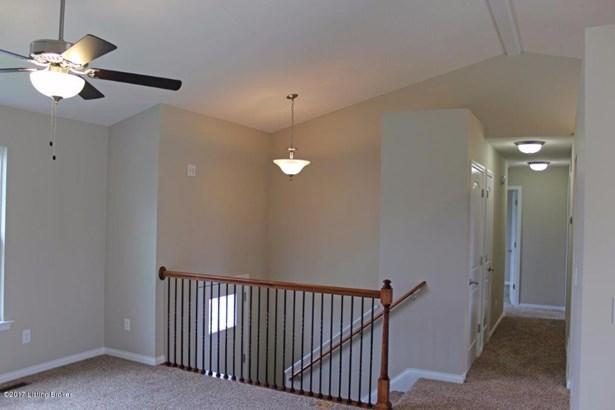 Single Family Residence, Bi-Level - Vine Grove, KY (photo 4)