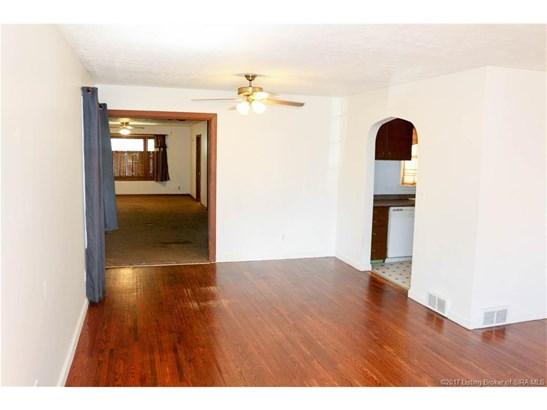 Residential, Tri Level - Jeffersonville, IN (photo 3)