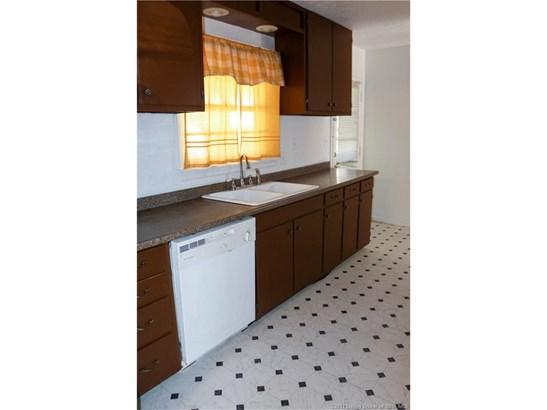 Residential, Tri Level - Jeffersonville, IN (photo 5)