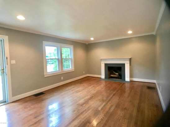 Cape Cod, Single Family Residence - Jeffersontown, KY (photo 4)