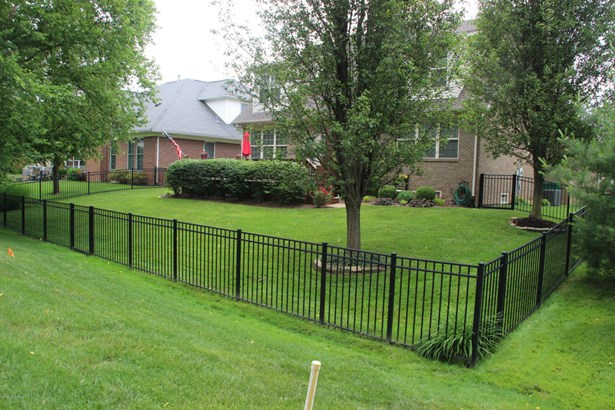 Single Family Residence, 1.5 Stories - Louisville, KY (photo 5)