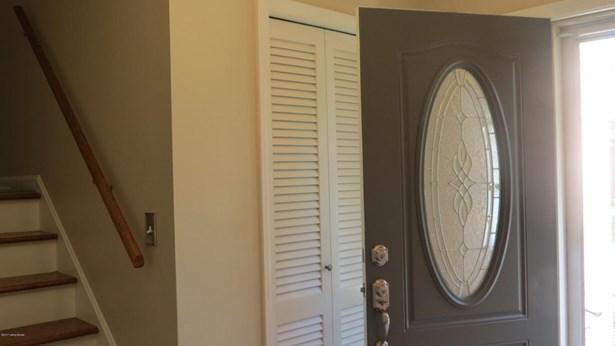Single Family Residence, Quad Level - Louisville, KY (photo 2)