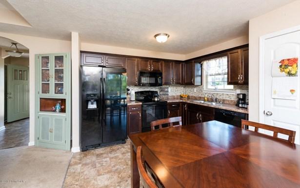 Single Family Residence, Ranch - Mt Washington, KY (photo 5)