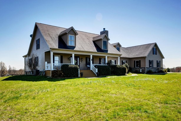 Cape Cod, Single Family Residence - La Grange, KY (photo 1)