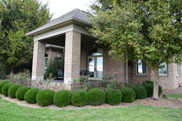 Single Family Residence, Open Plan - Greenville, IN (photo 4)