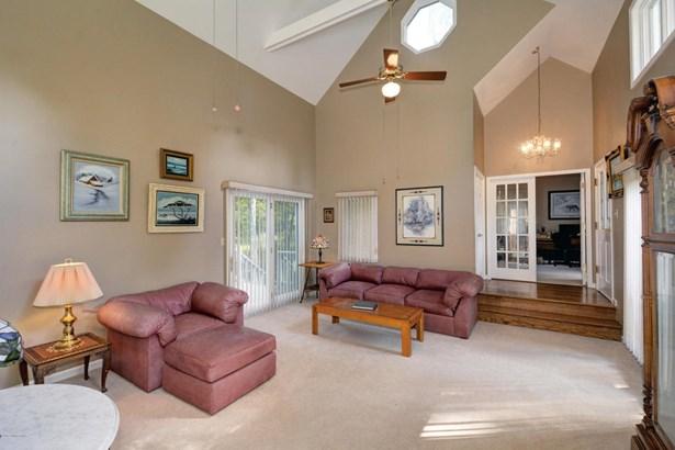 Single Family Residence, Traditional - La Grange, KY (photo 4)