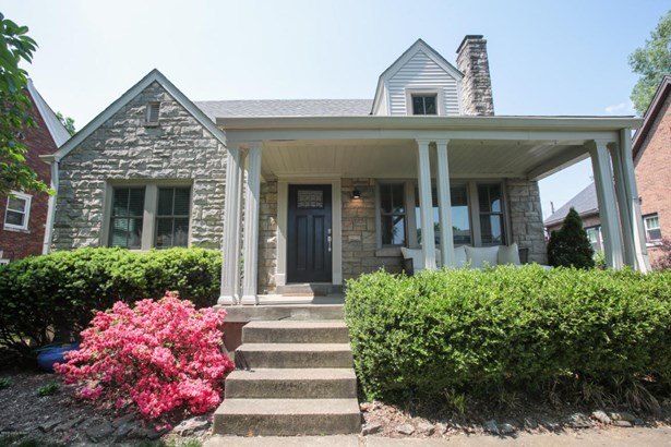 Single Family Residence, 1.5 Stories - Louisville, KY (photo 1)