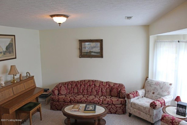 Cape Cod, Single Family Residence - Radcliff, KY (photo 2)