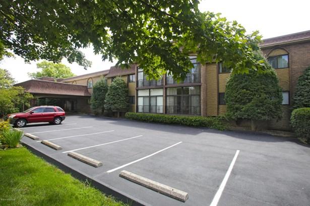 Condominium, Ranch - Louisville, KY (photo 1)