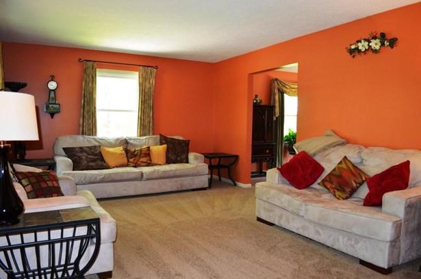 Single Family Residence, 2 Story - Jeffersonville, IN (photo 4)
